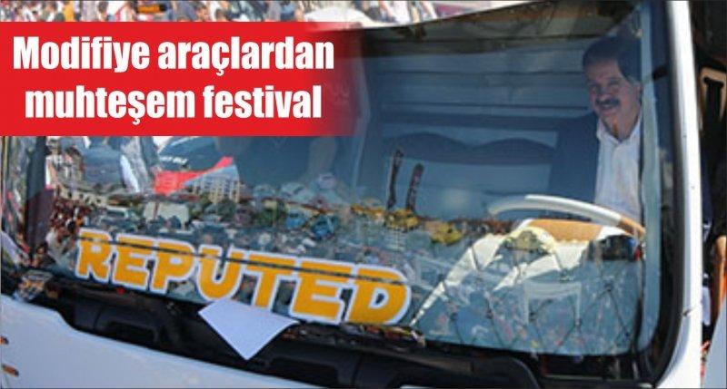 Modifiye araçlardan muhteşem festival