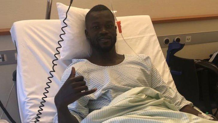O futbolcu ameliyat oldu