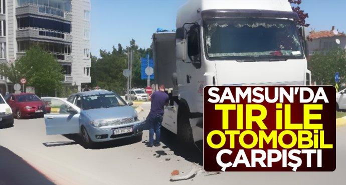 Samsun'da TIR ile otomobil çarpıştı