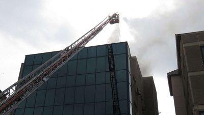 İş merkezinde yangın!